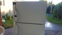 Frigidaire 18 cu. ft  1 MONTH GUARANTY DELIVERY 30