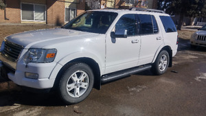 2010 Ford Explorer xlt package SUV, Crossover