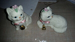 4 ceramic white cats