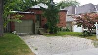 WOODFIELD 3 BED BUNGALOW WITH GARAGE STEPS TO VICTORIA PARK
