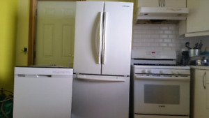 Used kitchen appliance set for sale