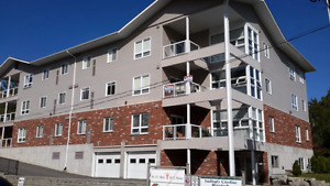 Reduced 20,000   :   Walk To Beach South End Condo With Garage