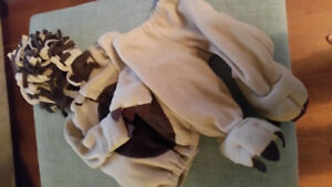 Old navy lion costume size 12-24 months
