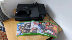 Xbox One 500gb with 5 games & Wireless Controller