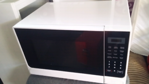 Lots of Kitchen items - Absolute bargain!