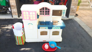 Complete children's kitchen set