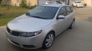 2011 Kia Forte5 EX. Loaded. Excellent condition.