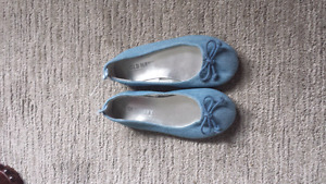 Girls shoes size 11.  Brand new