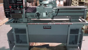 LATHE FOR SALE. USED FEW TIMES. LOOKS NEW!!