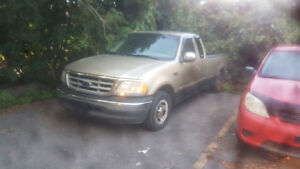 Ford F-150 XLT 2000 - 1200$ negociable