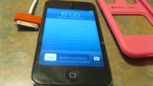 iPod Touch 4th Generation 32 GB with Charger Cable