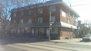 Leslieville - 1 bedroom -QUEEN AND LAING -ALL IN PRICE