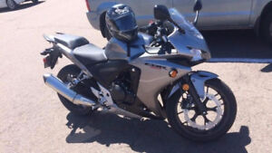 HONDA CBR 500 - 2015 - ONLY 1800 KMs - 3500