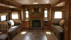2012 Jayco Jayflight 32' travel trailer with 3 slides!!