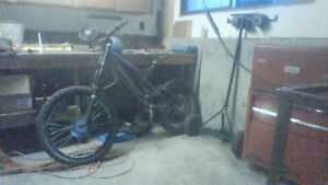 2003 Specialized Big Hit / All The Gear/ Whole Bunch of Spare Pa