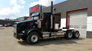 Blacked out 2014 Kenworth T800 92,000 km