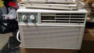 Air Conditioner  5200 BTU/h