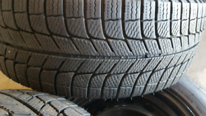 4 Michelin x-ice tires and rims for Honda