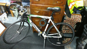 Selling Schwinn Volare 1300 Men's 700C Road Bike