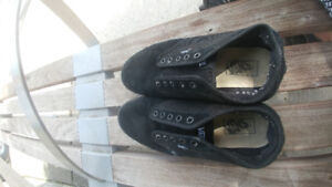 Van mens size 10 shoes..in very good to excel condition