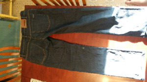 32×32 mens Volcom jeans from Boathouse
