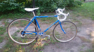Straight out of 1987 comes this rad Miyata 512!! (46 cm)