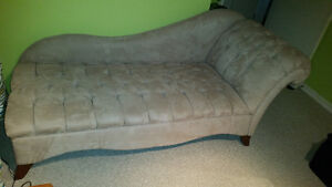 Beige chaise lounger / couch