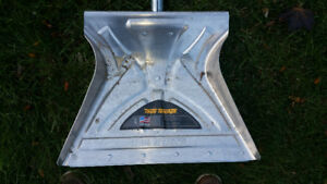TRUE TEMPER ALUMINUM SNOW SHOVEL RETAIL$100 SELL$39.00