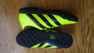 adidas soccer turf shoes  SIZE 10 London Ontario image 2