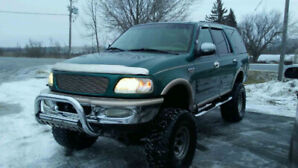 Lifted 1998 Ford Expedition