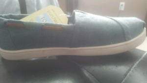 brand new Toms chambray (denim) shoes