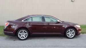 2010 Ford Taurus Sedan AWD Limited