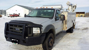 2005 Ford F-550 XLT 4X4 Mechanic service truck with crane