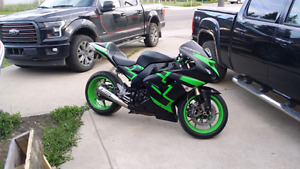 2006 ZX-10 Kawasaki  ***Very low kms