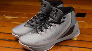 Men's Under Armour Curry 3 Basketball Shoes in Grey (Size 9.5)