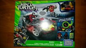 Mega Bloks TMNT Teenage Mutant Ninja Turtles Raph Street Strike