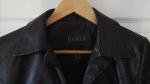 Leather jacket and skirt, Danier, new condition Kawartha Lakes Peterborough Area image 9