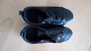 Botillionsnoir dedans carotter soulier noir semelle blanc  7