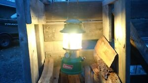 CLEAN AND WORKING COLMEN GAS LANTERN. CROSS POSTED