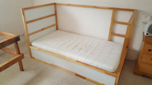 Reversible High/Low Bed
