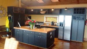 Stunning Oceanside House !!! Available Nov 1st