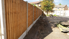 NO DEPOSIT TAKEN 10 BAYS OF FENCE SUPPLY AND FIT £695