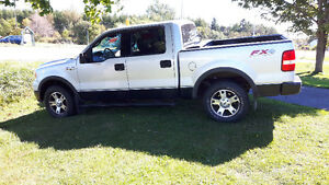 2004 Ford F-150 Black Pickup Truck