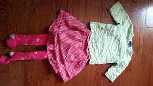 Lot de vêtements pour fille 18 mois-3 ans environ