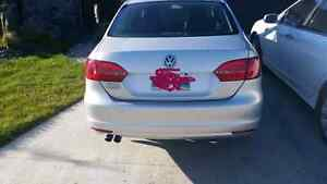 2011 VOLKSWAGEN JETTA ** MUST SELL **