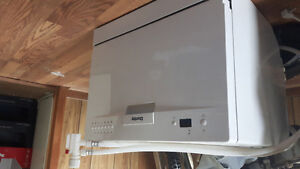 Counter top dishwasher for sale!