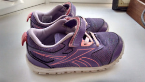 Reebok Girl Shoes, Size 9 US