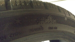 225 40 R18 4 winter tires they are in great condition Gatineau Ottawa / Gatineau Area image 1