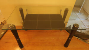 GLASS KITCHEN TABLE - EXCELLENT CONDITION!!!