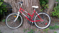Bicyclette rouge pour fille